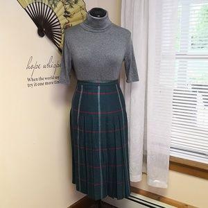 Vintage 1970s wool pleated skirt